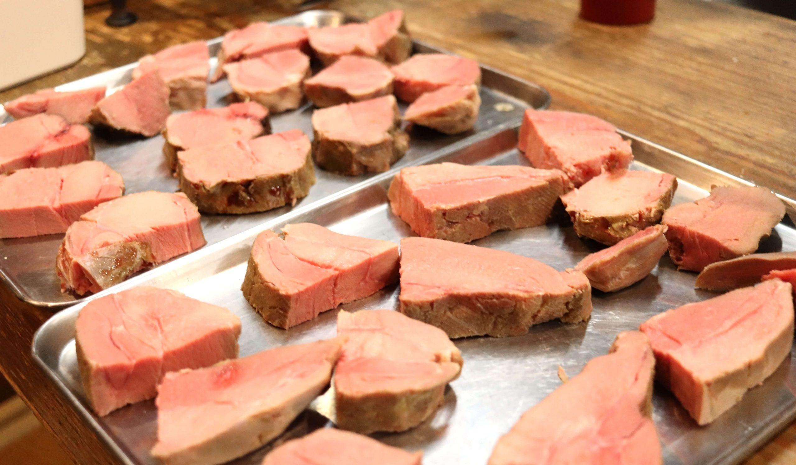 イノシシの肉の塊