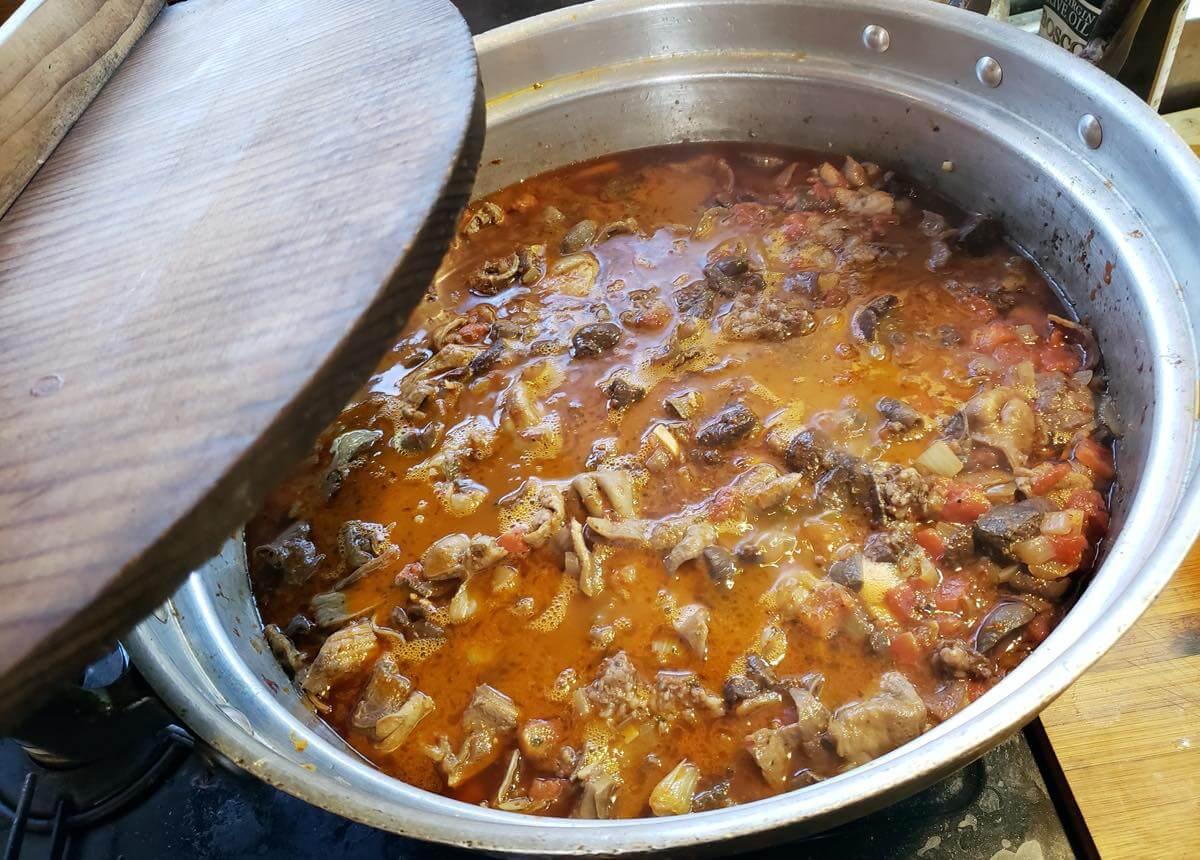イノシシのモツ煮