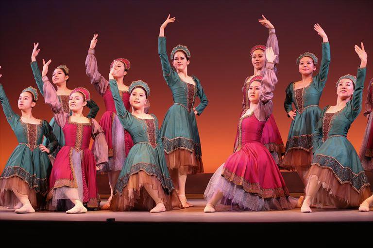 【大人のためのバレエ・レッスン】~バレエを学び舞台に立とう~